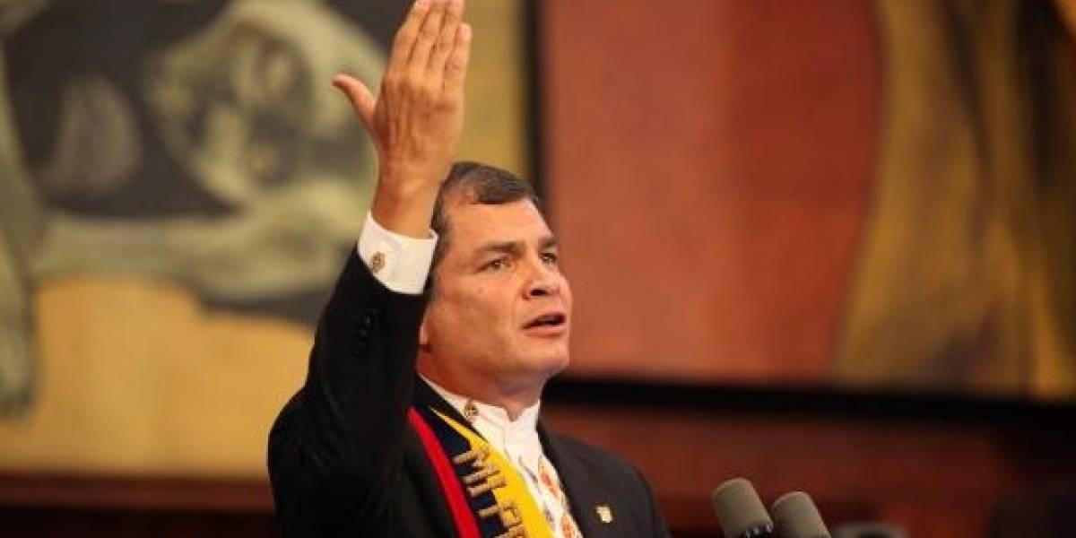Rafael Correa criticó a quienes se toman fotos en aguas profundas en Posorja