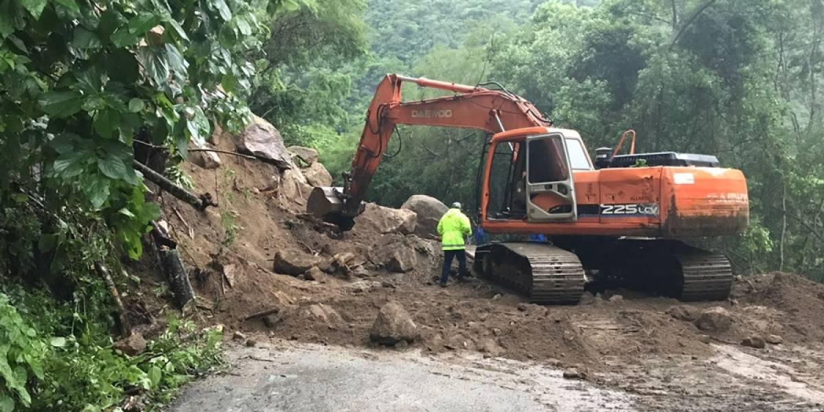 Reabren dos carreteras de Jalisco afectadas por derrumbes