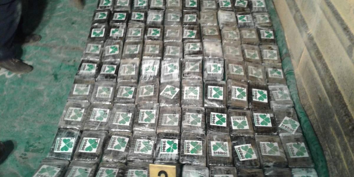 Localizan 600 paquetes de supuesta droga ocultos en un camión en San Marcos