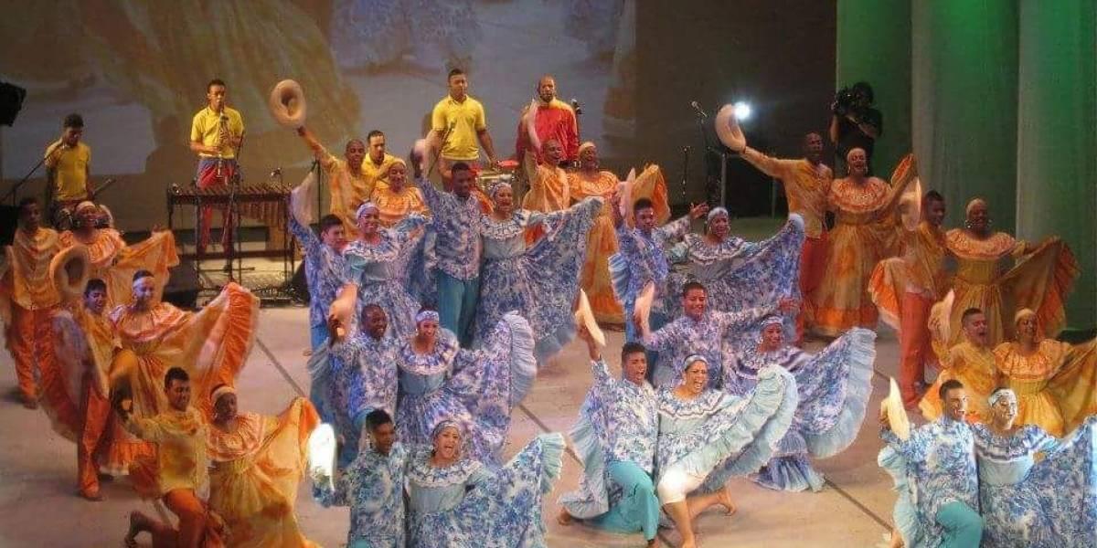 El grupo de danzas caleño que recibirá al papa Francisco