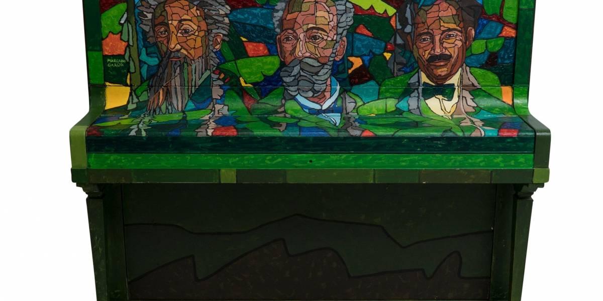Artistas boricuas pintan pianos