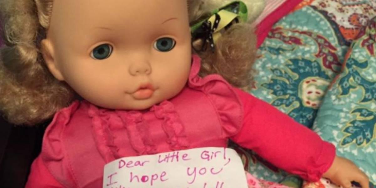 """¡La amamos! Pequeña de 8 años dona su muñeca para una """"niña"""" afectada por el huracán Harvey"""
