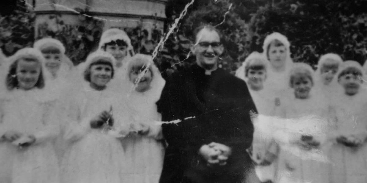 """""""No le digas a tu mamá, o tu papá podría morir"""": condenan a sacerdote que violaba y amenaza a los niños en altar de la iglesia"""