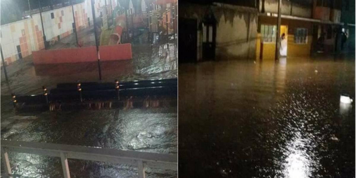 Se desborda Río de los Remedios por fuertes lluvias