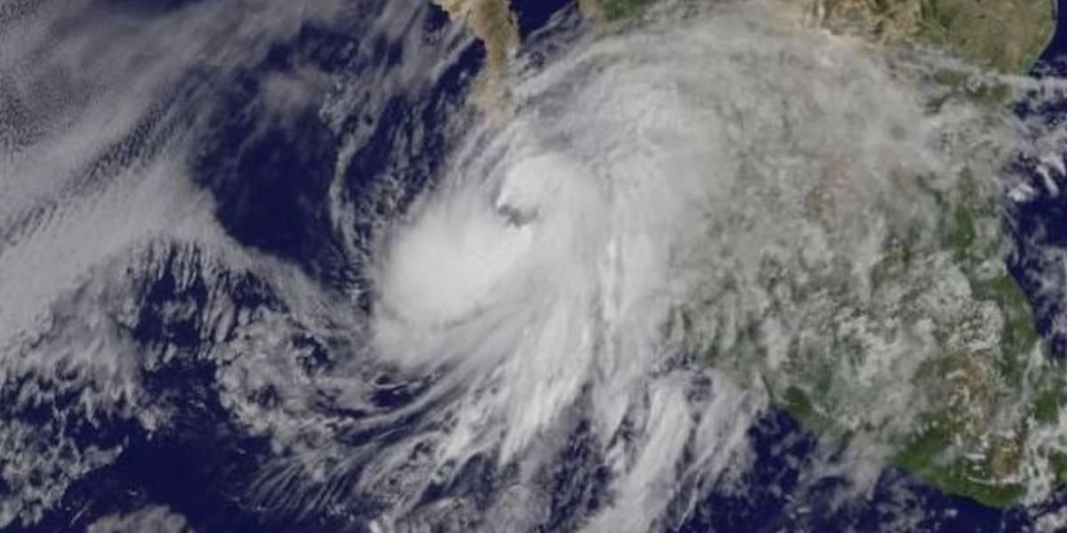 Comienzan desalojos en Los Cabos por tormenta Lidia