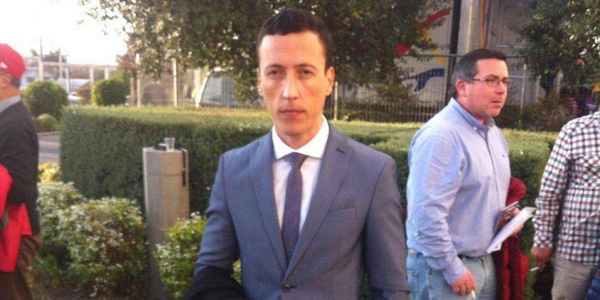 """El abogado """"salvador"""" de Chile en el TAS llegó a lo rockstar al Monumental"""
