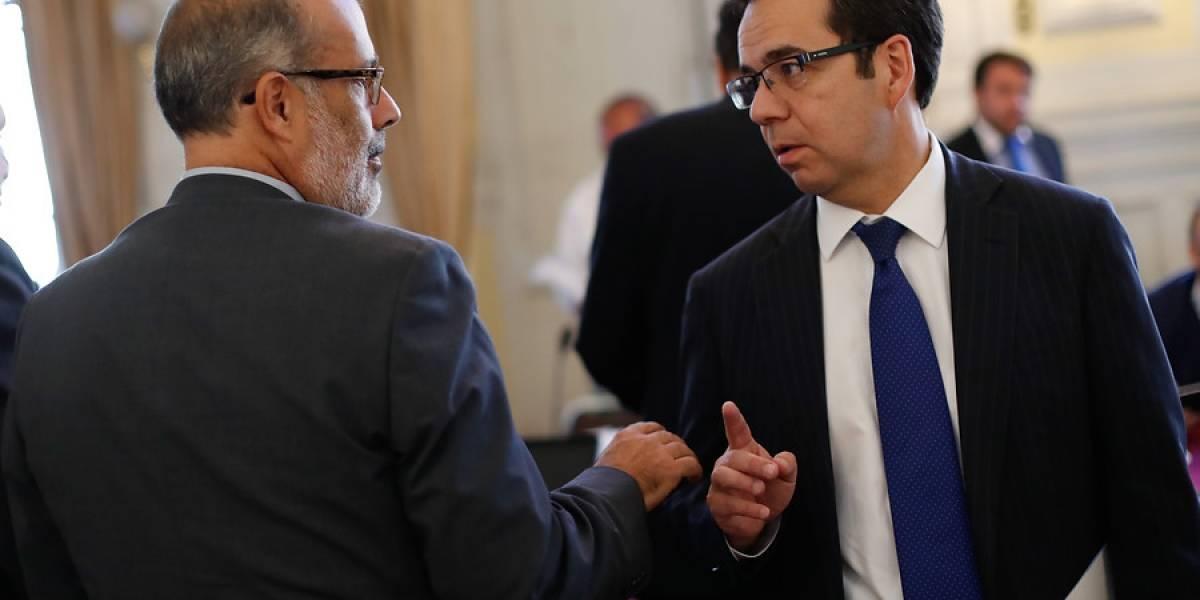 Resultado de imagen para renuncia equipo economico chileno