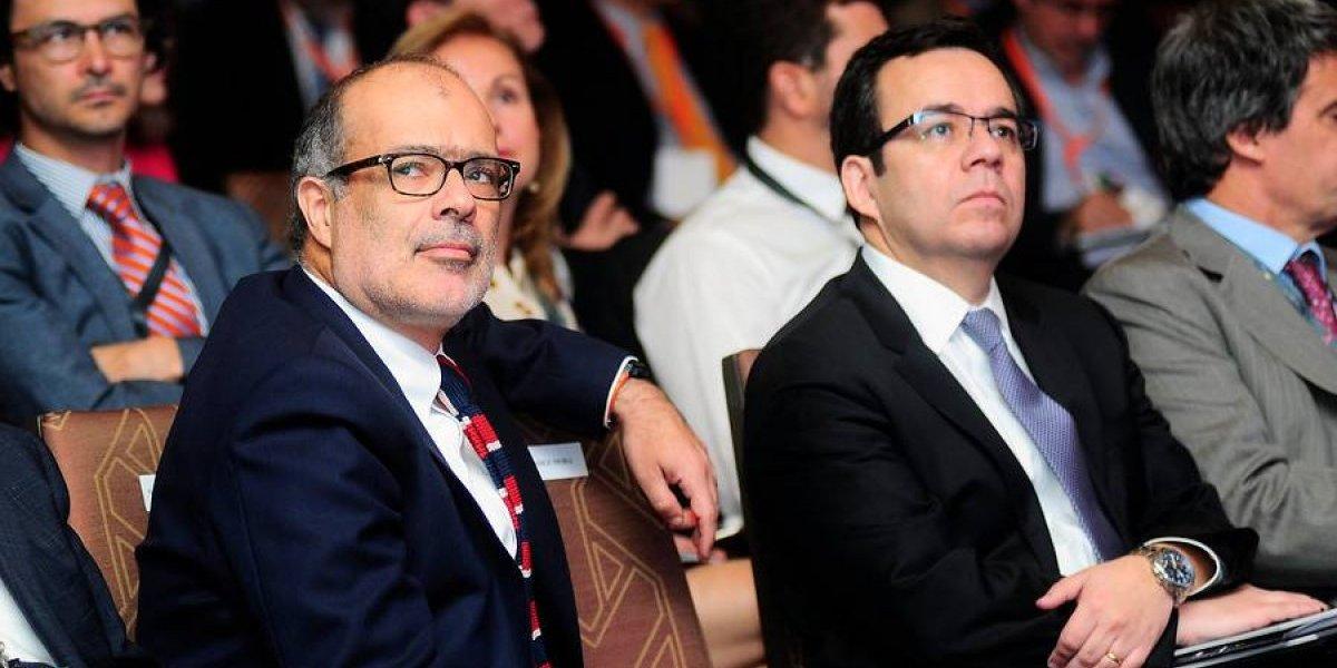 """Gremios empresariales califican como """"pésima señal"""" salida del equipo económico del Gobierno"""