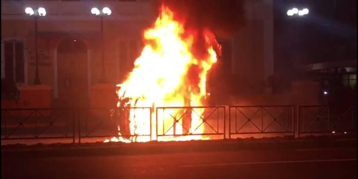 Ex chico reality queda con el 80% del cuerpo quemado tras volcar en Providencia