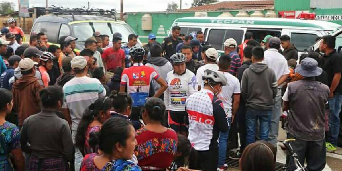 Ciclistas guatemaltecos del equipo Hino-One-La Red fueron atropellados