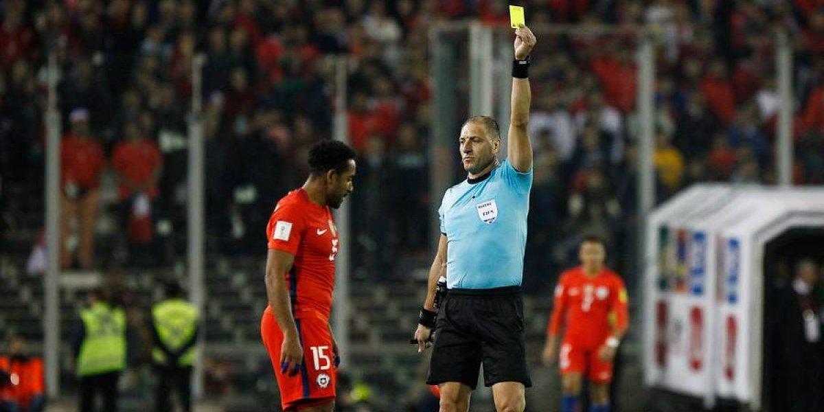 Cuidado: los 14 jugadores de la Roja que están a una amarilla de ser suspendidos ante Ecuador