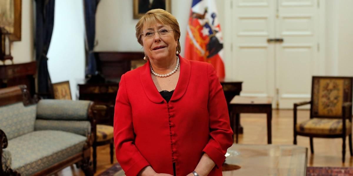 Encuesta CEP: Aprobación de Bachelet sube 3 puntos y llega a 21% a siete meses del fin de su gobierno