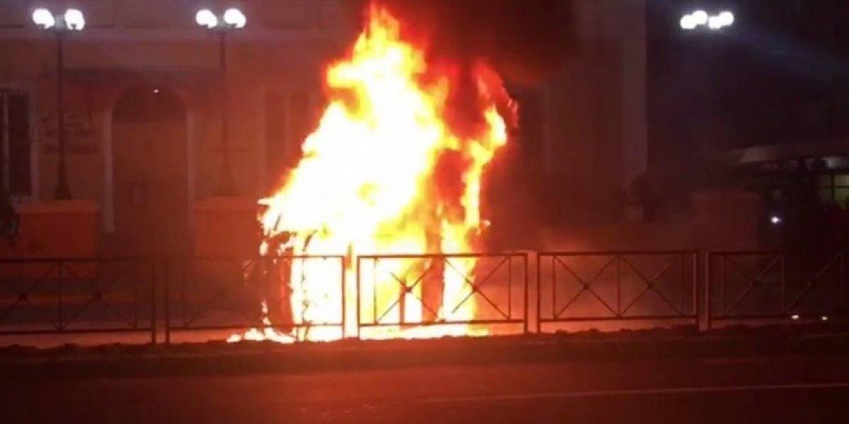 Accidente de Ignacio Lastra y Julia Fernández: Ingeniero mecánico explica por qué se produjo insólito incendio del vehículo