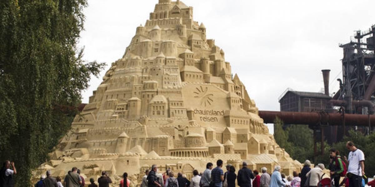 FOTO. Construyen en Alemania el castillo de arena más alto del mundo