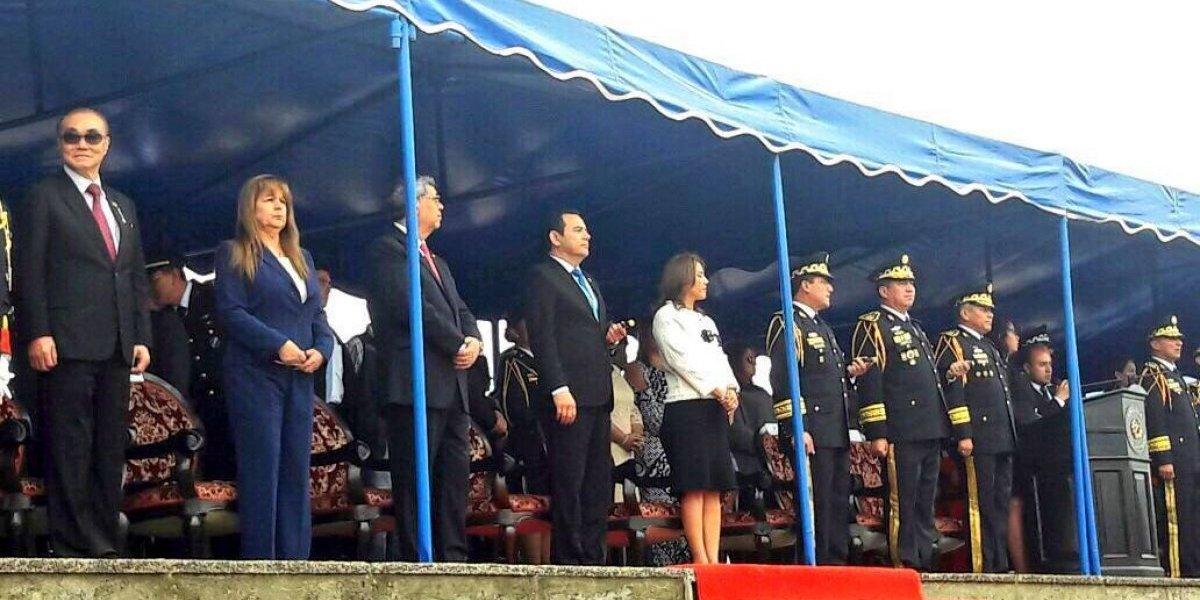 """""""Debemos unirnos en un proyecto de Nación"""", señala el Presidente en actividad del Ejército"""