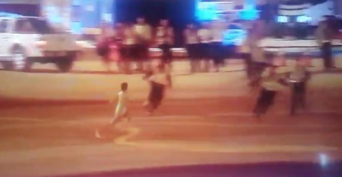 (Video) Niño evadió la seguridad del aeropuerto para ver a la Selección Colombia