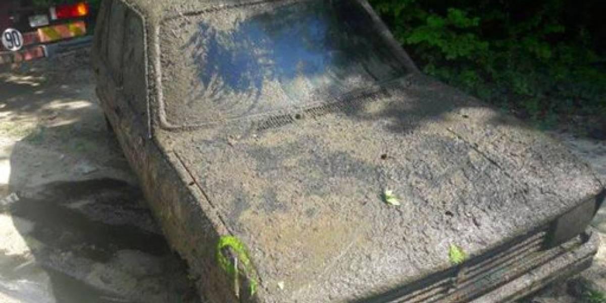 Recuperande un pantano un auto robado en 1979 en Francia