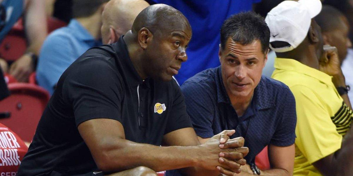 NBA multa a los Lakers por violar las reglas de piratería