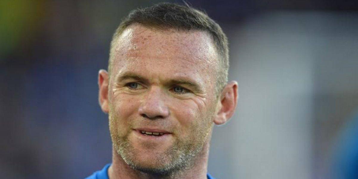 Rooney es detenido por manejar en estado de ebriedad, queda libre tras pagar fianza