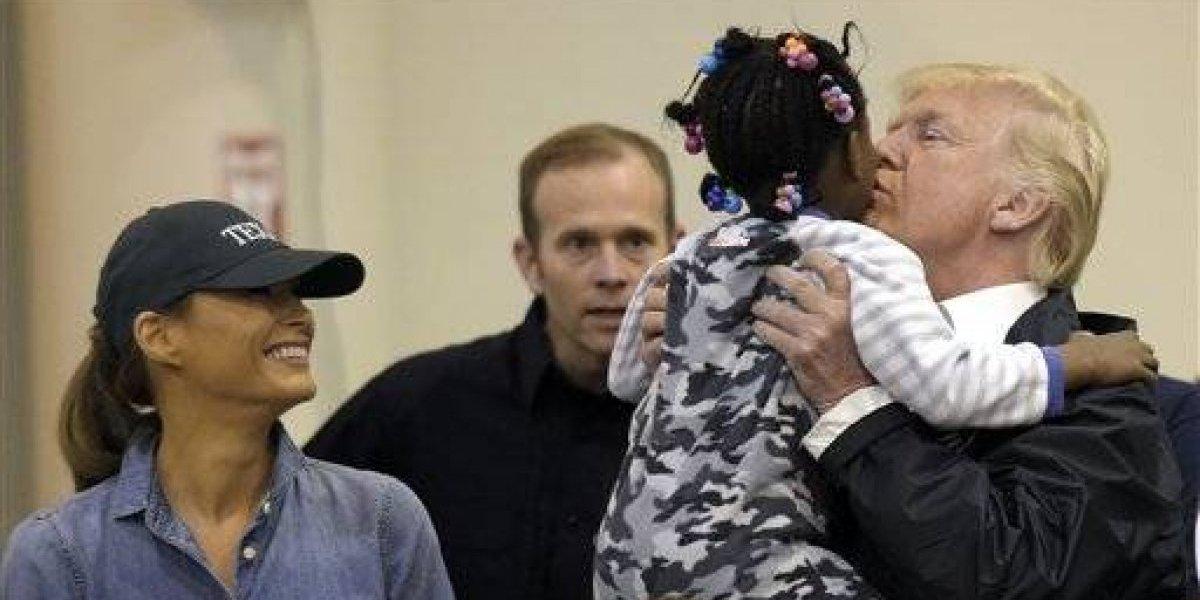 Trump visita a víctimas de Harvey en Texas y Luisiana