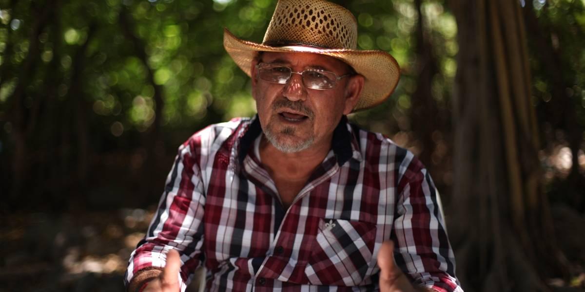 Hipólito Mora advierte que volverá a estar armado ante la inseguridad