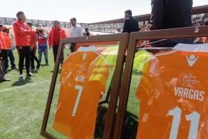 Alexis,. Vargas y Medel fueron homenajeados / imagen: Agencia UNO