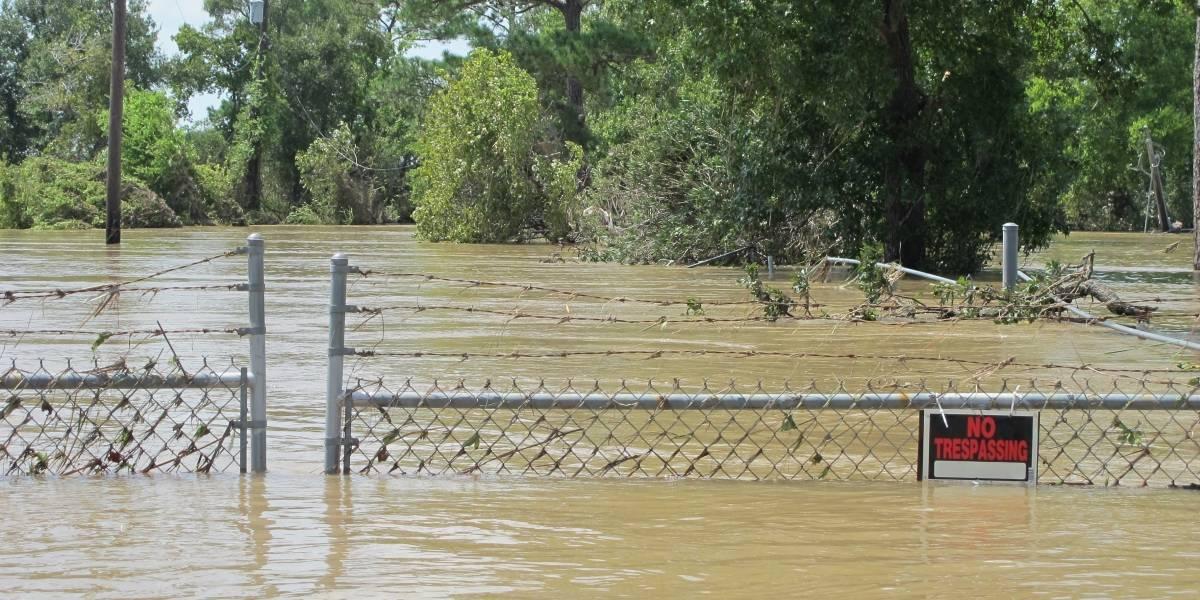 Huracán Harvey inundó depósitos tóxicos en Houston