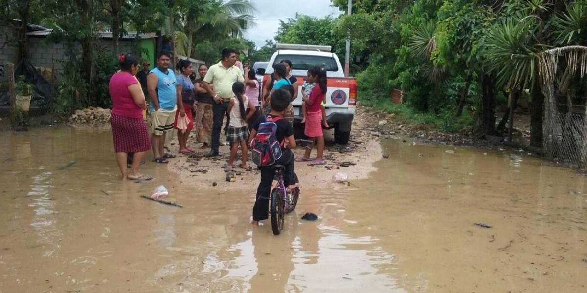 Reportan que 900 personas fueron afectadas por lluvias