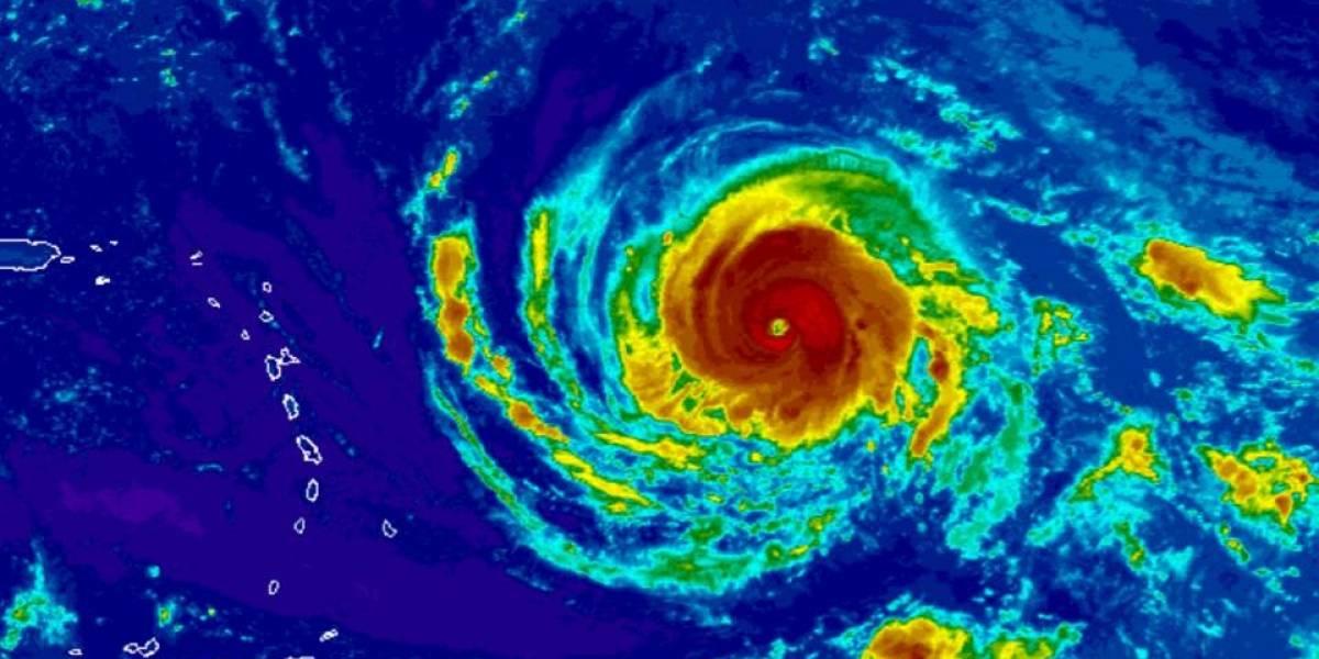 Huracán Irma aumenta a 120 millas por hora sus vientos