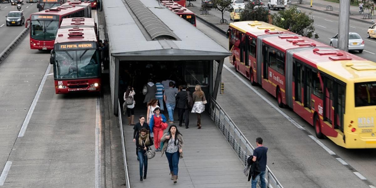 Video: Bus de TransMilenio por poco y se incendia
