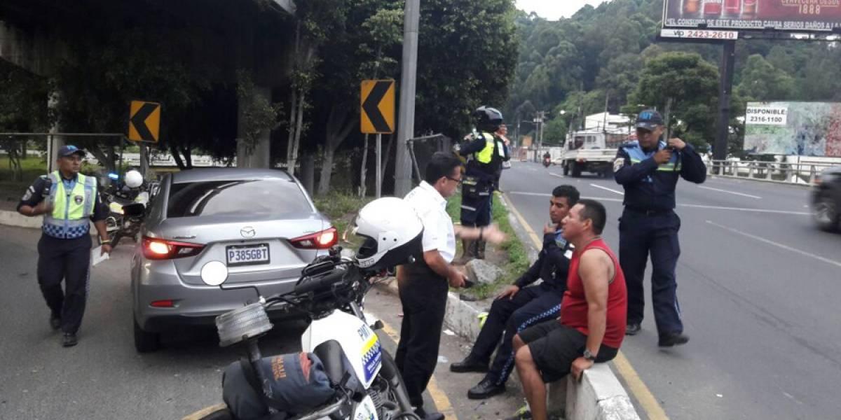 Agente PMT de Villa Nueva es atropellado en salida de San Cristóbal