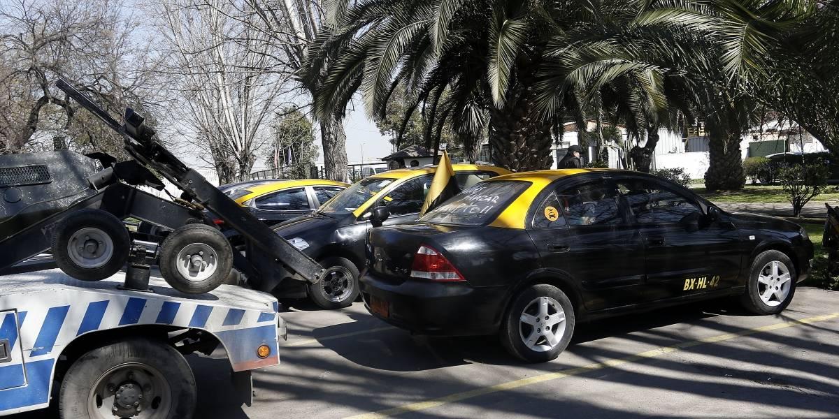 """Paro de taxistas: ¿Cómo funciona la """"Ley de seguridad del Estado""""?"""