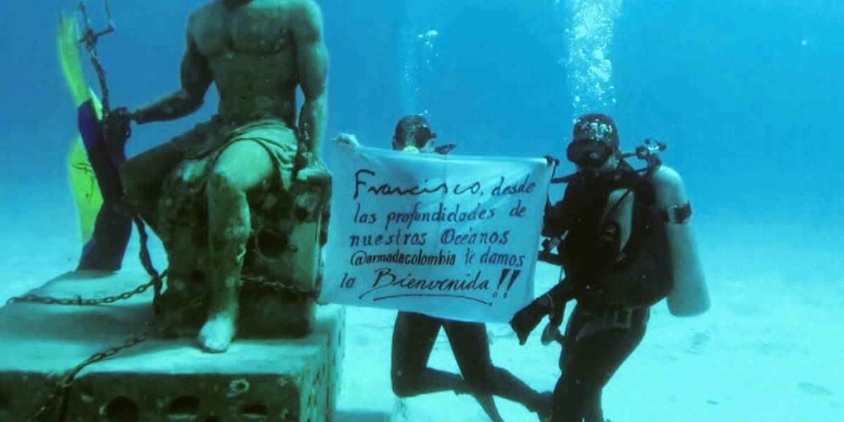 Buzos colombianos le enviaron mensaje al papa Francisco bajo el agua