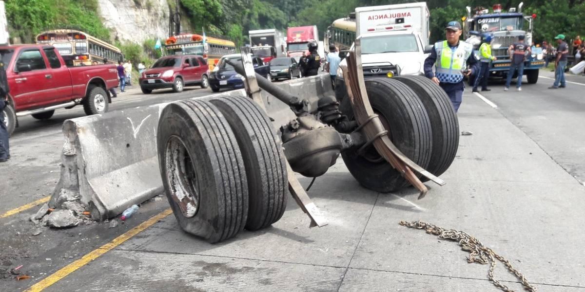EN IMÁGENES. Tránsito detenido en bajada de Villalobos por múltiple colisión