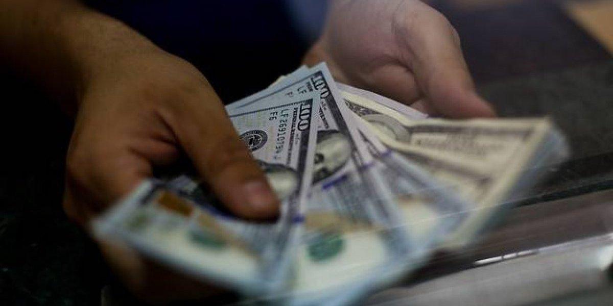 Baja del dólar perjudica a los fondos de pensiones en agosto