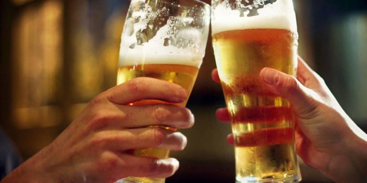 ¿Con o sin espuma? experto enseña cuál es la mejor manera de tomar cerveza