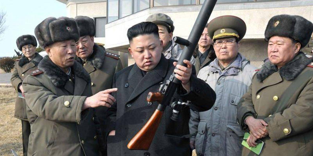 """China califica de """"muy compleja"""" tensión entre EEUU y Corea del Norte y les pide que """"dejen de echar gasolina al fuego"""""""