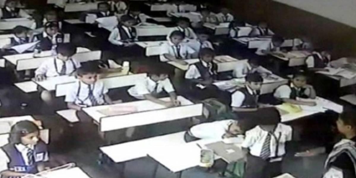 """VIDEO. Maestra cachetea 40 veces a un alumno por no decir """"presente"""""""