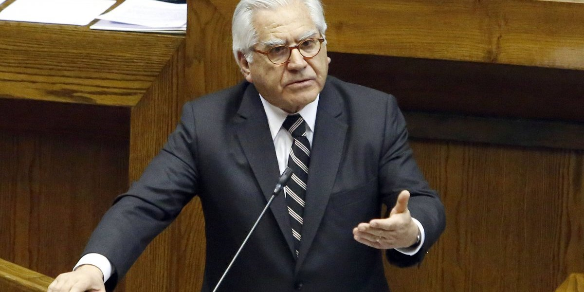 """Ministro del Interior por interpelación: """"En Chile todos somos migrantes"""""""