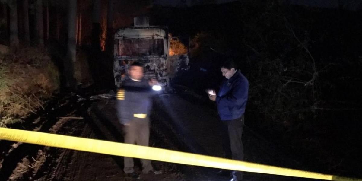 Nuevo ataque incendiario en La Araucanía: llamas destruyen tres camiones y cinco máquinas en Temuco