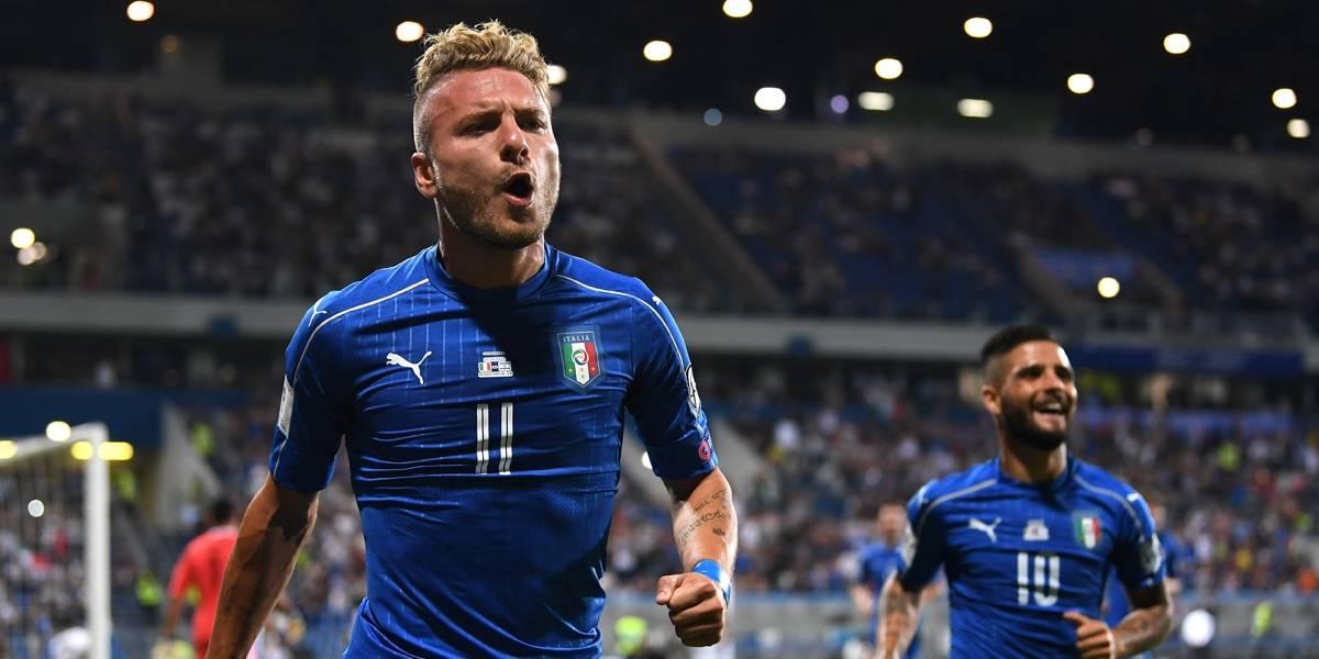 e45cbed432 Itália segue na briga por vaga direta na Copa  Espanha goleia. Immobile  comemora o gol ...