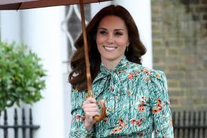Kate Middleton ensina como ficar elegante para uma reunião de trabalho