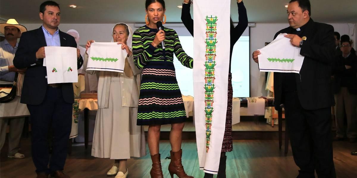 Así se crearon las vestimentas litúrgicas que el papa Francisco usará en Colombia