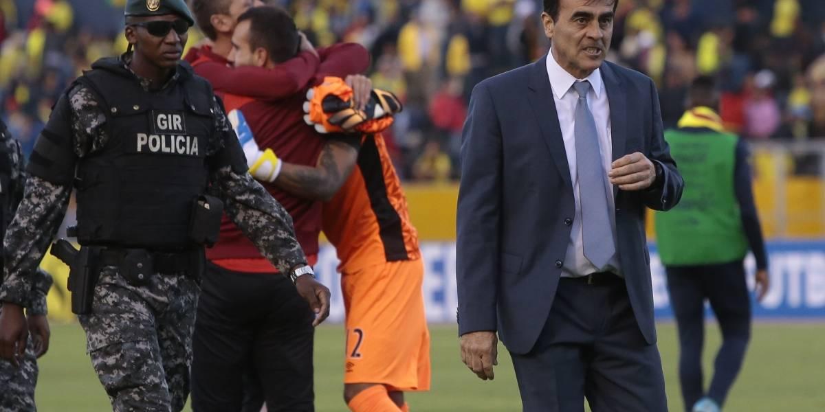 Gustavo Quinteros tiene las horas contadas como seleccionador de Ecuador