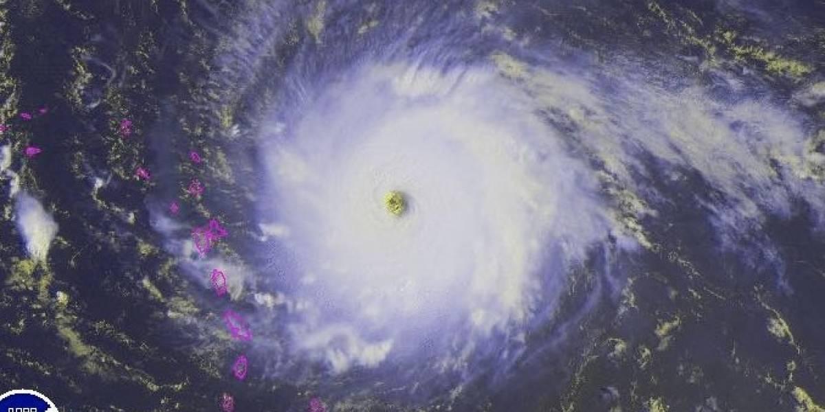 Irma aumenta vientos a 180 millas por hora