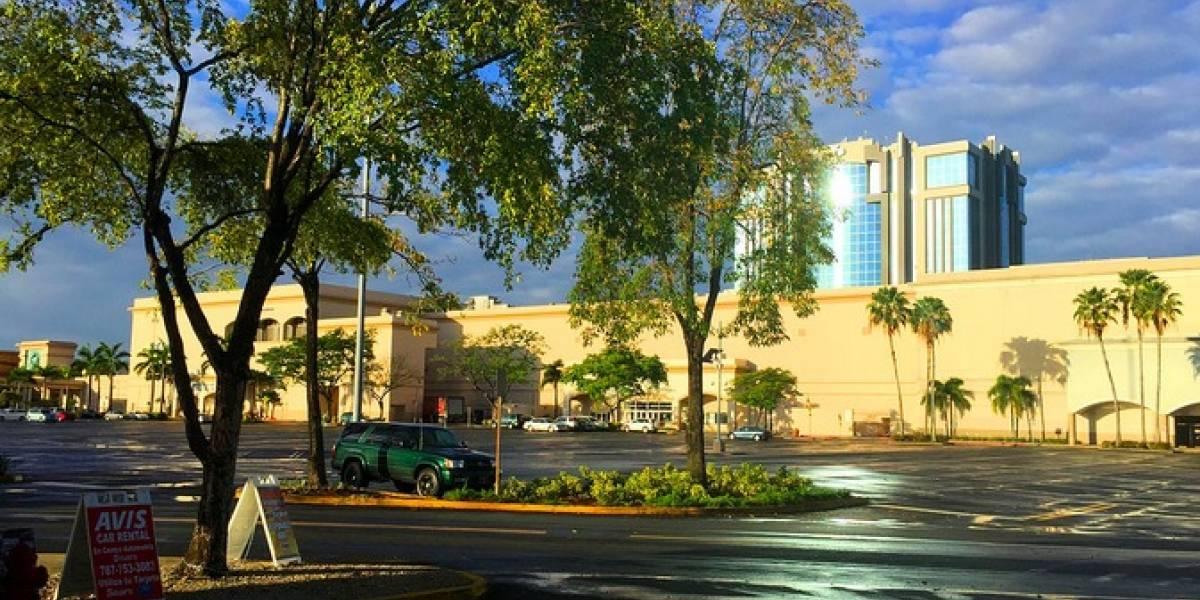 Cierra Plaza Las Américas por el paso del huracán Irma