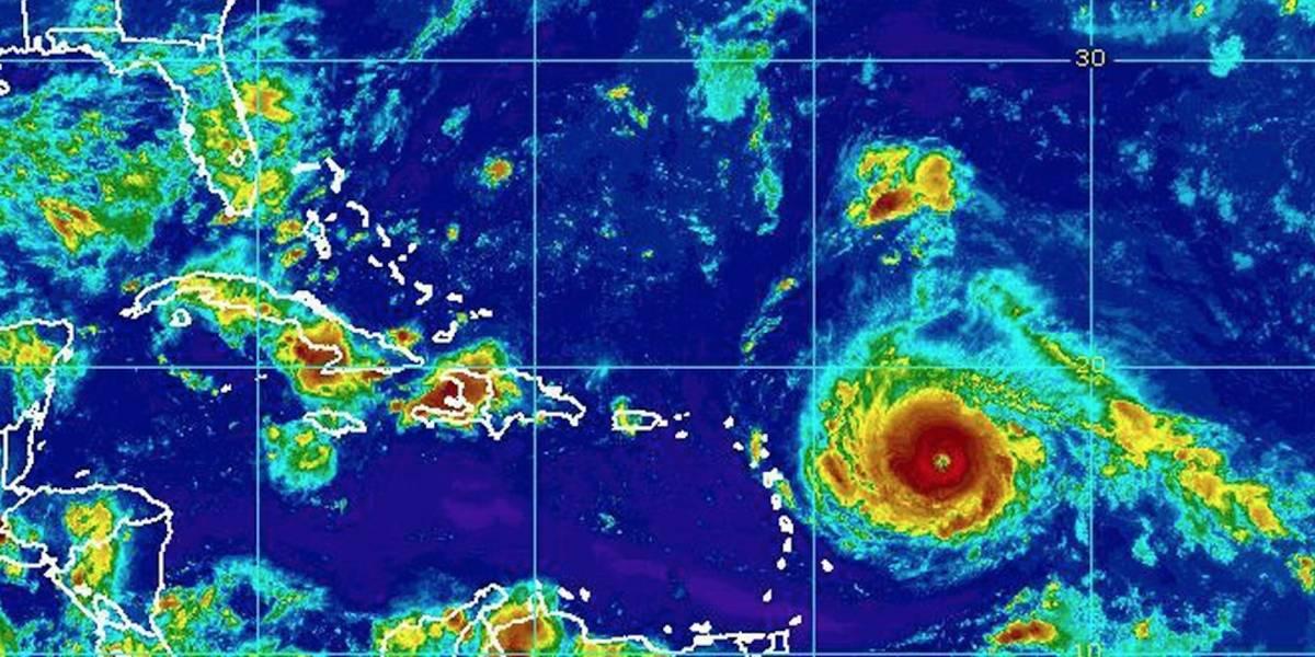 Irma continúa su rumbo al Caribe con vientos de 185 mph