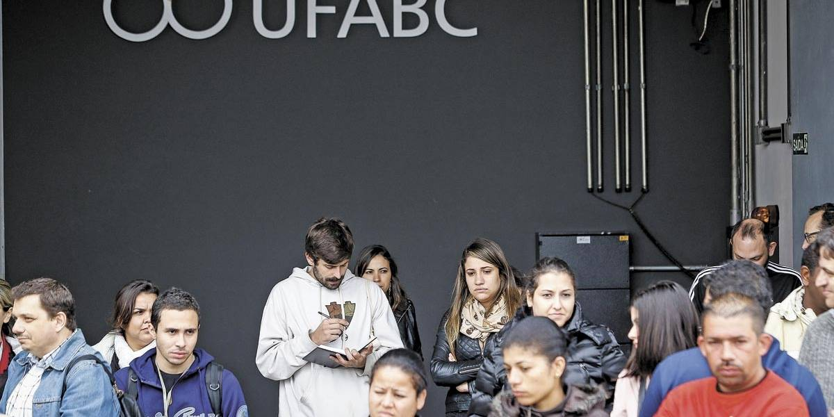 UFABC cria cota para refugiados