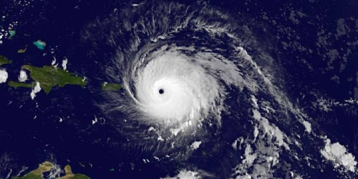 Irma continúa con vientos de 185 mph