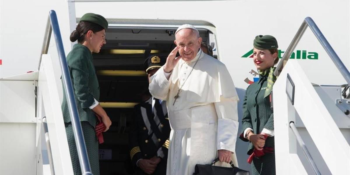 Monja rapera comparte sus mejores rimas con el Papa
